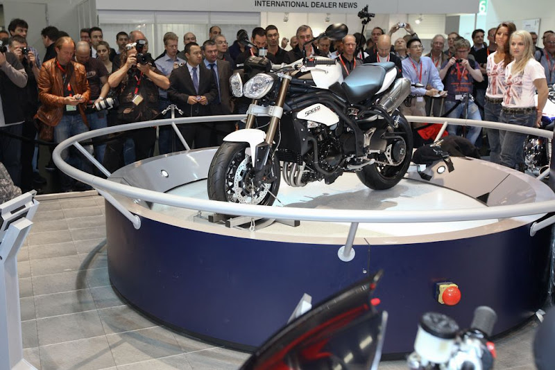 2011 Triumph Speed Triple Streetfighter Debut in Cologne