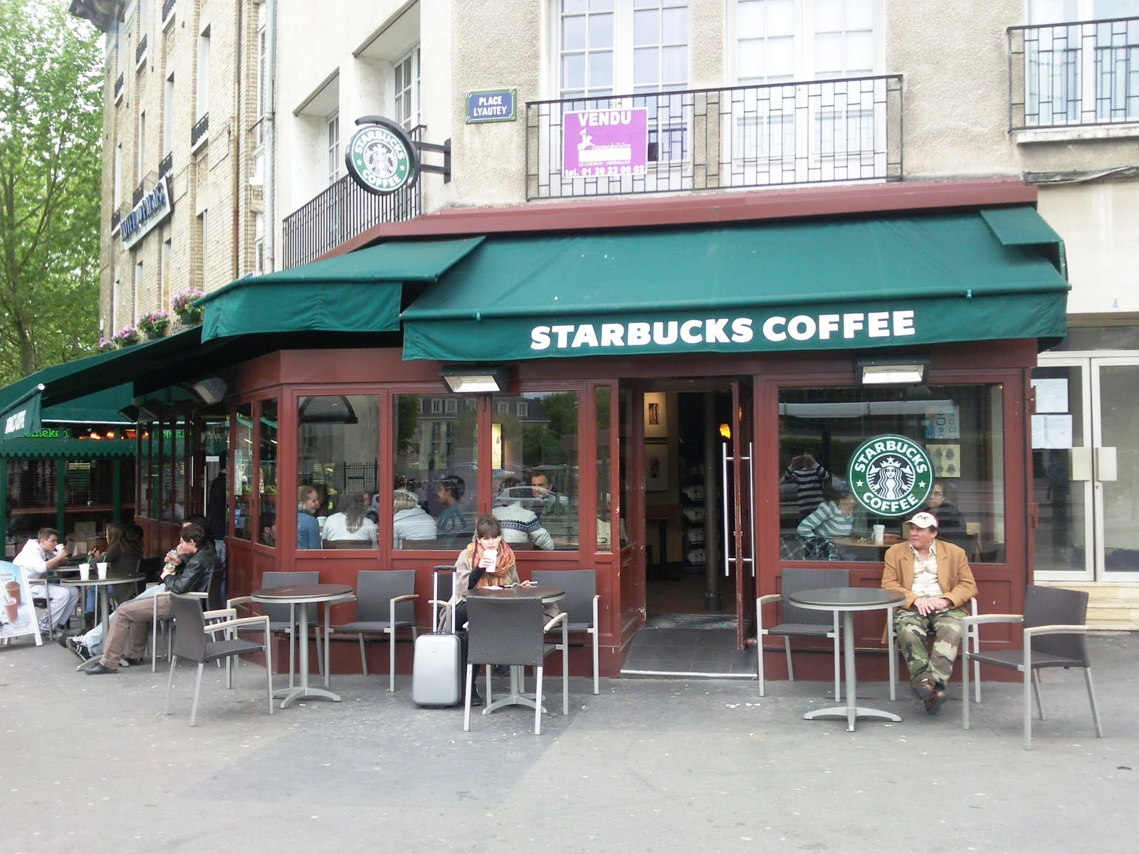 atlantidecity test du starbucks coffee de versailles