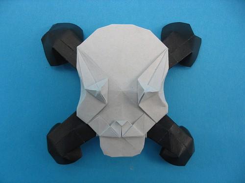 Art World Skull And Crossbones Origami