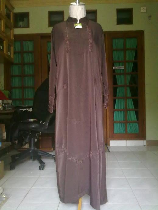 jubah wanita dengan berbagai macam model dan ukuran