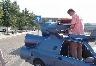 Super sound DJ's car