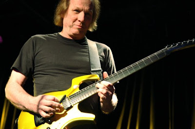 Gimme Five: King Crimson's Adrian Belew