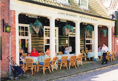 Café – Restaurant Het Huis Met De Pilaren