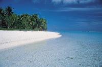 Tuamotu beach
