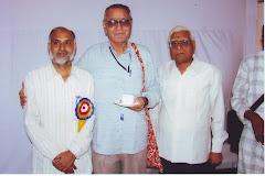 श्री नंदकिशोर आचार्य और डॉ. गंगाप्रसाद बरसैंया के साथ