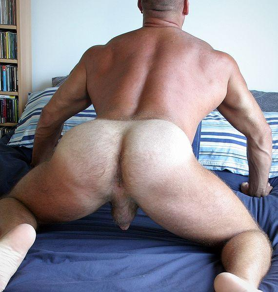 HOT MUSCLE MANPUSSY