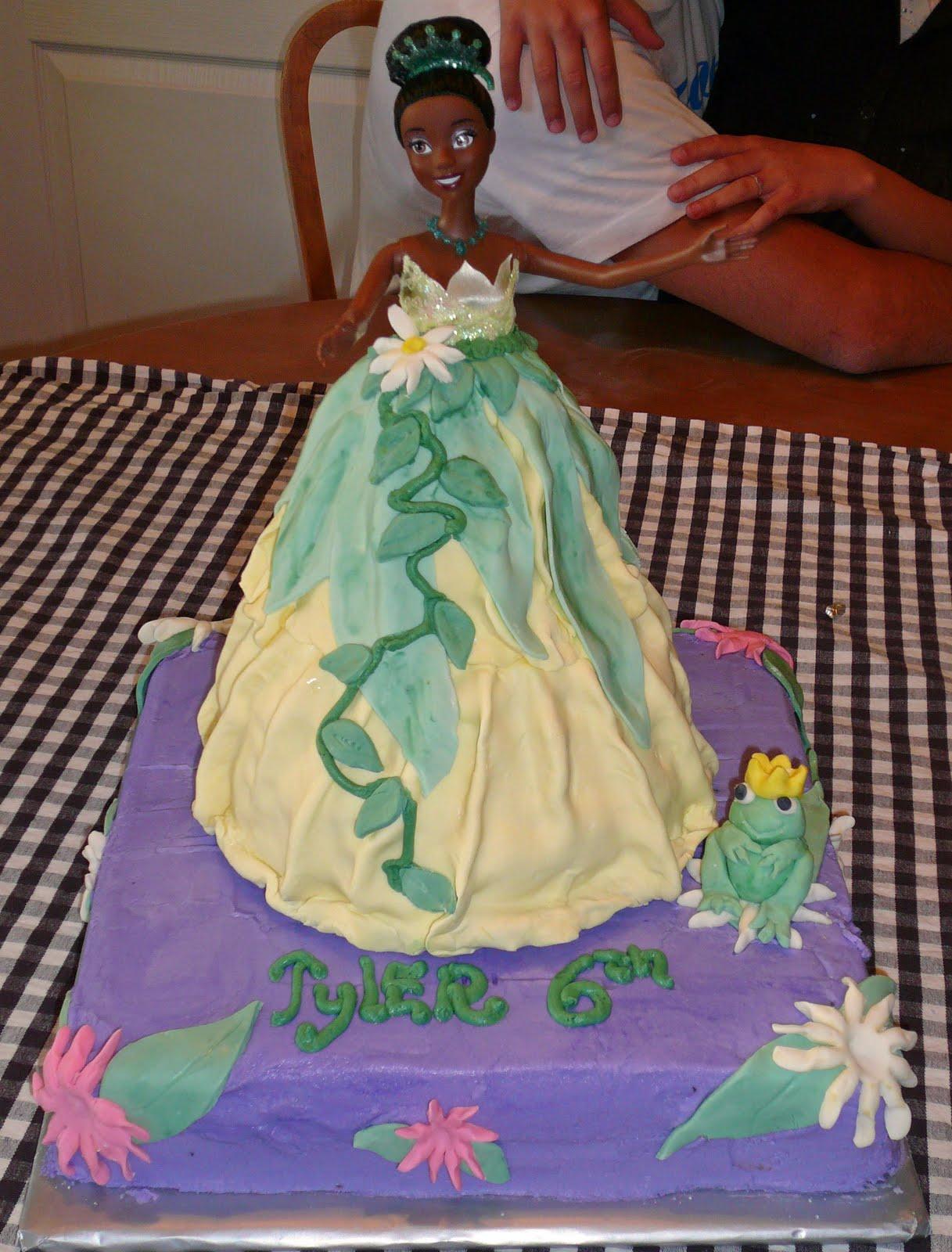 Princess Tiana Cake Images : yummyprettycakes: princess Tiana cake