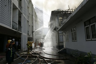 >Fire destroys floor at Burmese embassy in Bangkok