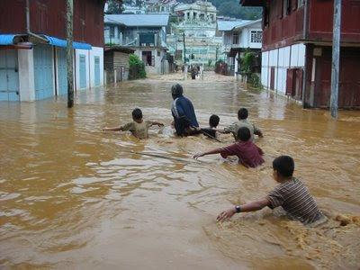 >Mogok flood kills 15