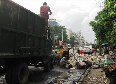 >Rangoon: city for millions of rats