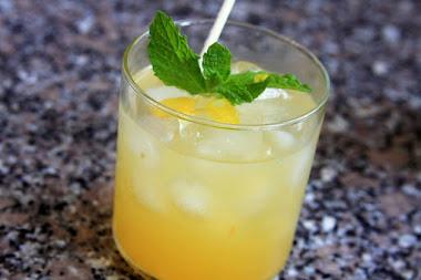 Triple Citrus Basil-tini