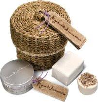 f587ceb8e Scottish Fine Soaps Highland Aromatics Coorie In Basket Gift Set Body  Butter 100gm Soap & Lavender Bath Fizz 80gm