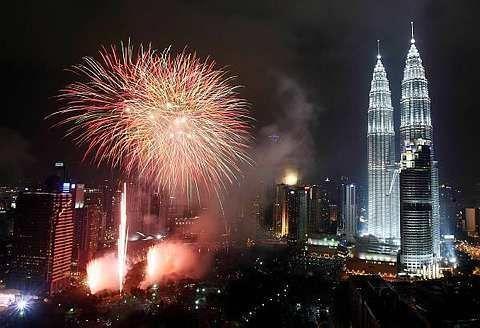 [klcc_fireworks.jpg]