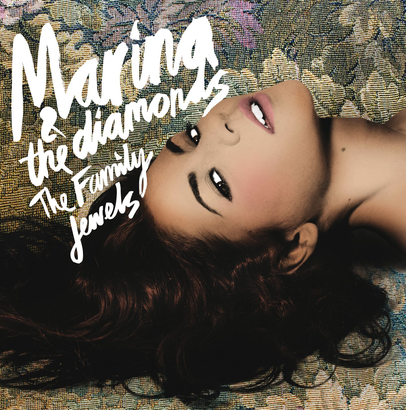 http://3.bp.blogspot.com/_9t7NcMzAq2U/TPkULhRJxOI/AAAAAAAAAIY/w2MwqKCloXw/s1600/Marina-The-Diamonds-The-Family-Jewels.jpg