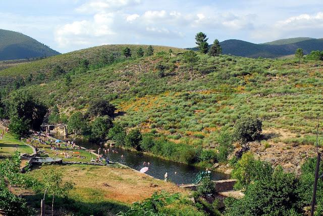 Garganta del arroyo jevero acebo c ceres sierra de for Piscina natural de acebo
