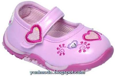 bebek yenimoda.blogspot.com2 0 3 Yas Kiz Cocuklari icin ayakkabi  Modelleri
