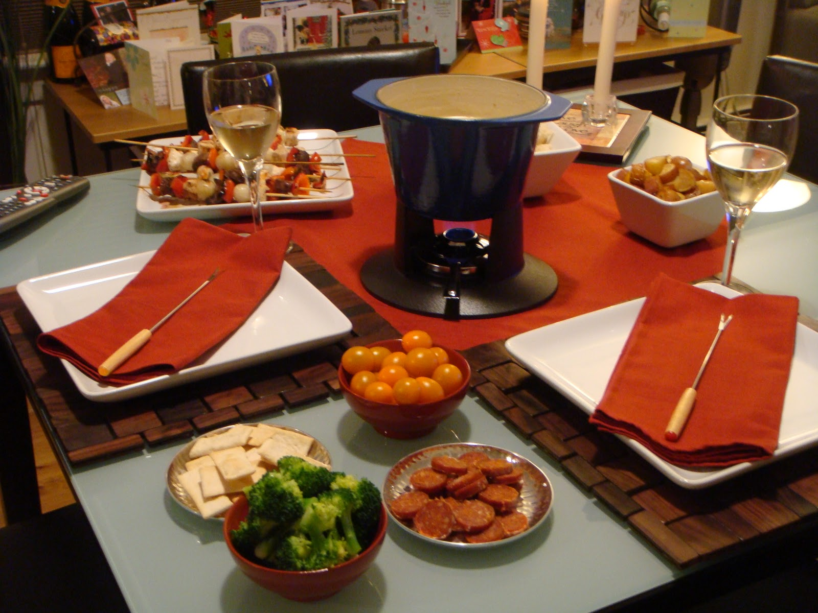 Delicious Dishings: New Year\'s Eve At Home With Fondue