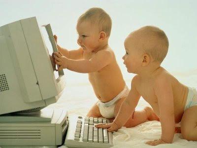 http://3.bp.blogspot.com/_9vPNlqoYUtY/SFqYWdZJDII/AAAAAAAAAnI/xmEOwUs2Ewc/s400/Playing+Computer.jpg