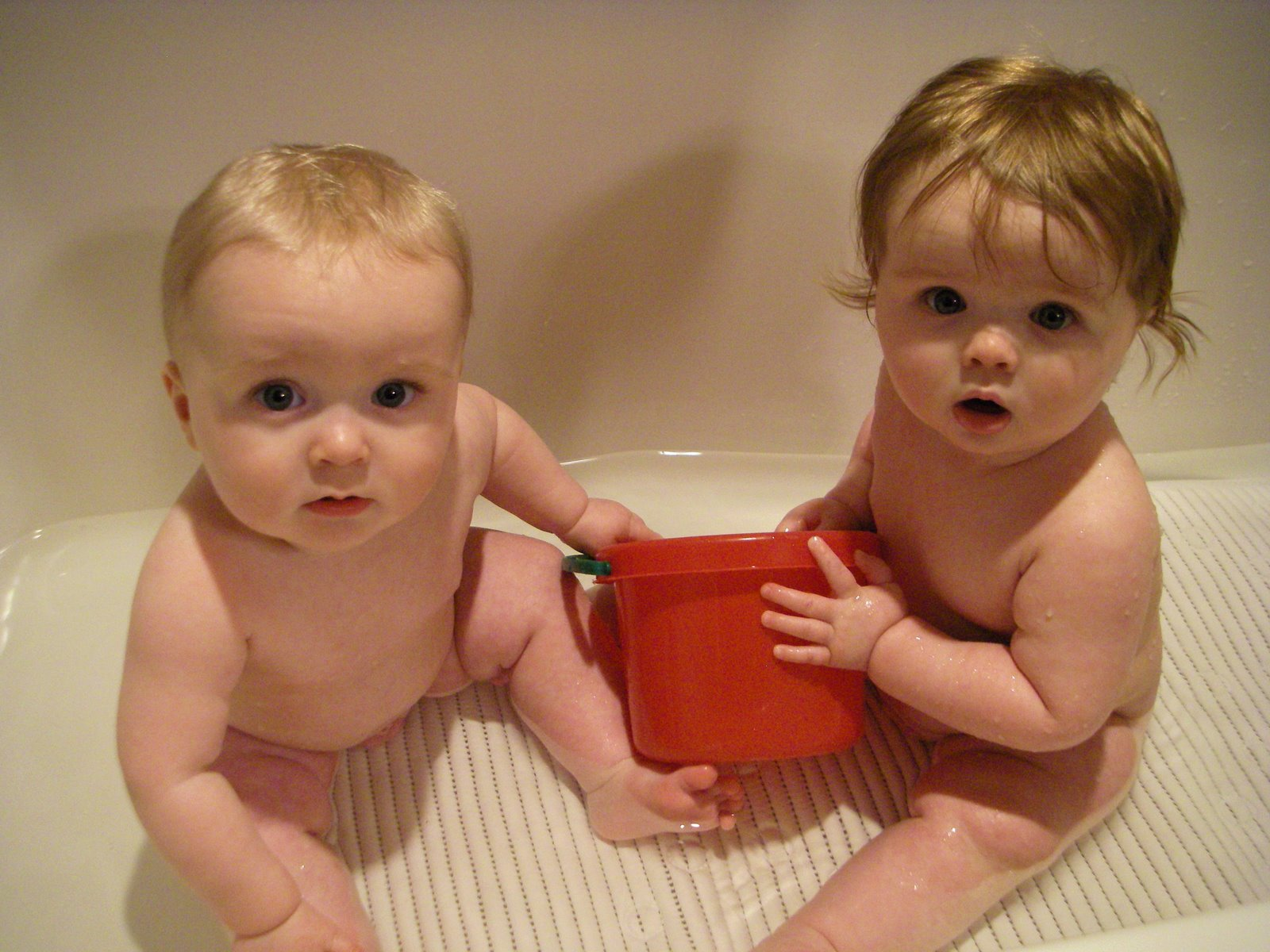 All About Elsa, Henry, & Olin: Babies in the Bath