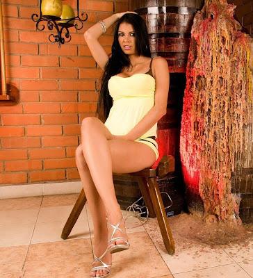 imagenes sexi las mas sexis mujeres mas guapas mujeres sexis en bikini  Colombianas en Tanga, Juliana Ospina