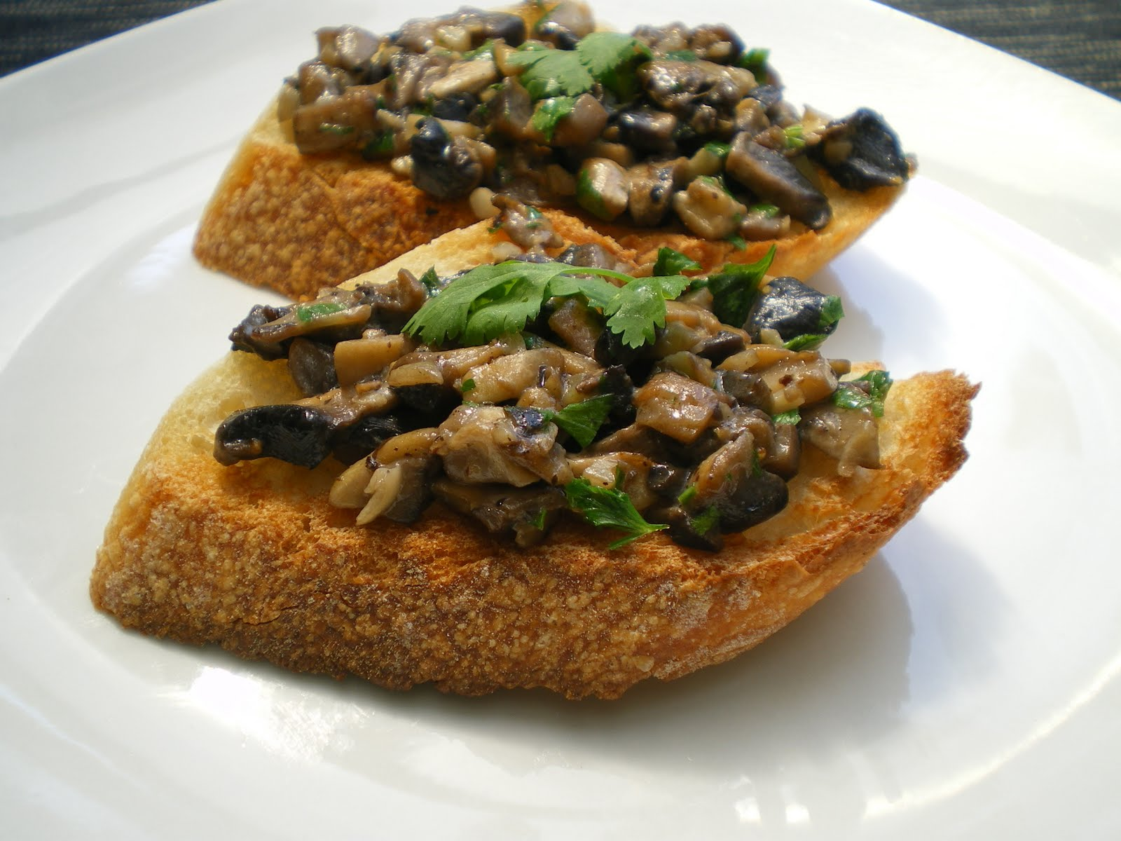 Shelly's Kitchen: Mushroom Crostini