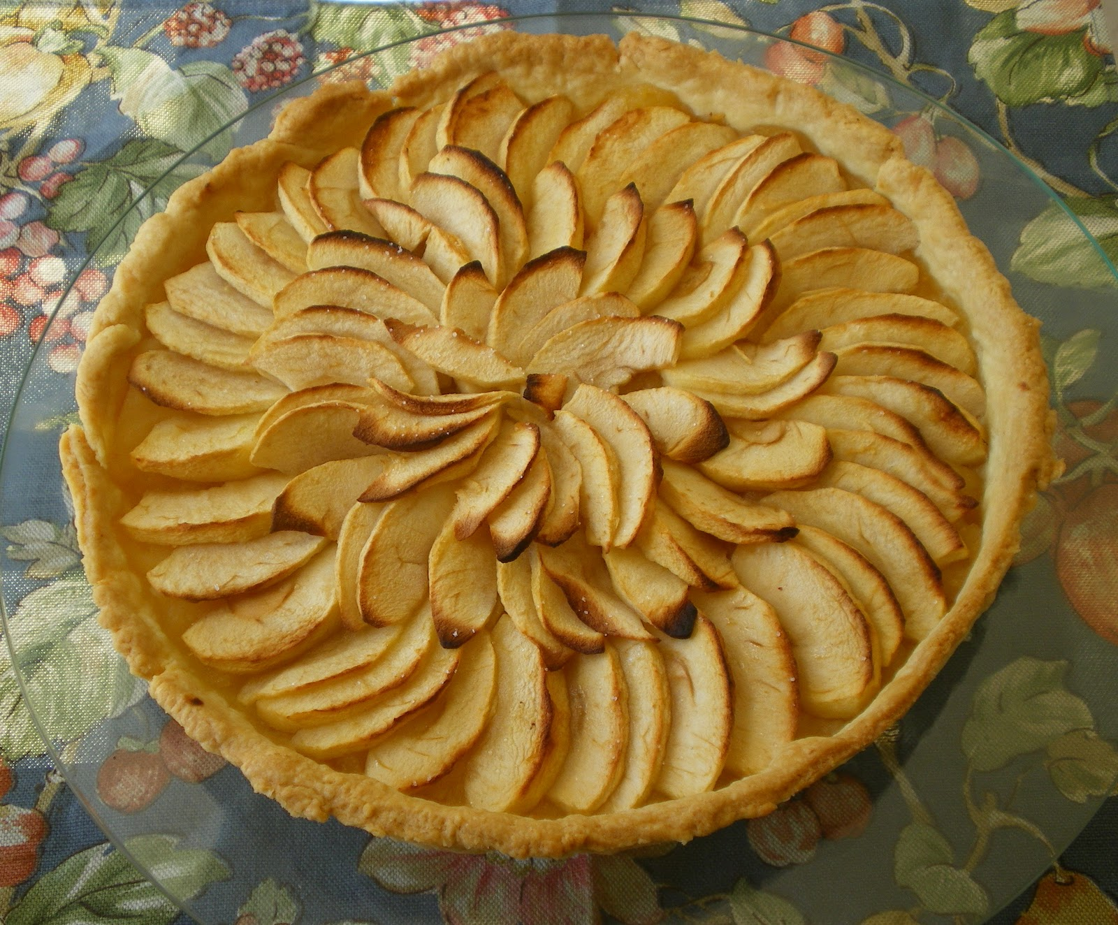 Shelly's Kitchen: Tarte aux Pommes - French Apple Pie