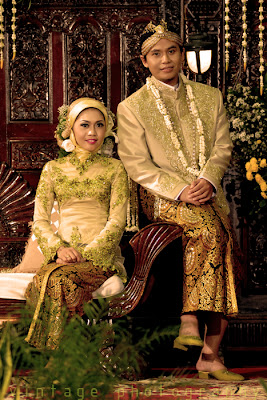 VINTAGE PHOTOGRAPHY: Pose Pengantin