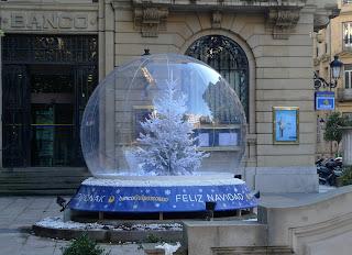 Promoplus street marketing esferas interactivas - Bolas navidad gigantes ...