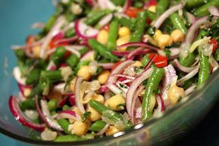 menta csicseriborsó saláta lilahagyma zöldbab