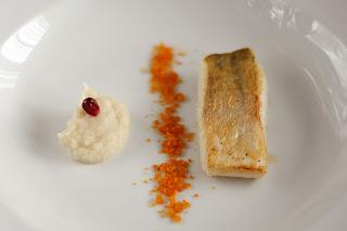 hal ropogós bőr fogas fogasfilé feketegyökér püré télispárga feketegyökérpüré tej narancs por narancspor
