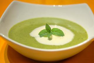 zöld spárga leves spárgaleves menta