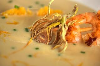 alma spárga spárgaleves spárgakrémleves ázsiai konyha kókusztej laktózmentes narancs garnéla garnélarák édesköménygumó édeskömény chips