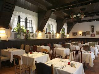 Bagolyvár étterem belső tér