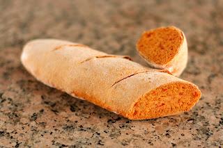 házi kenyér gránit gránitlap friss paradicsom kenyér paradicsomos kenyér