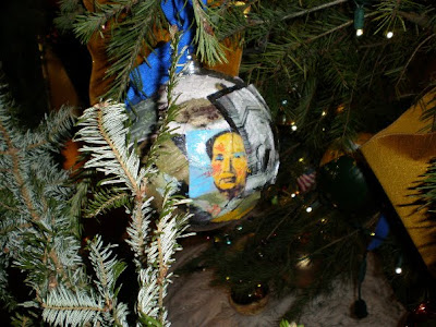 Che ornament on whitehouse xmas tree 