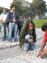 """Reinscripción de nombres y edades de víctimas en memorial el """"Ojo que llora"""""""