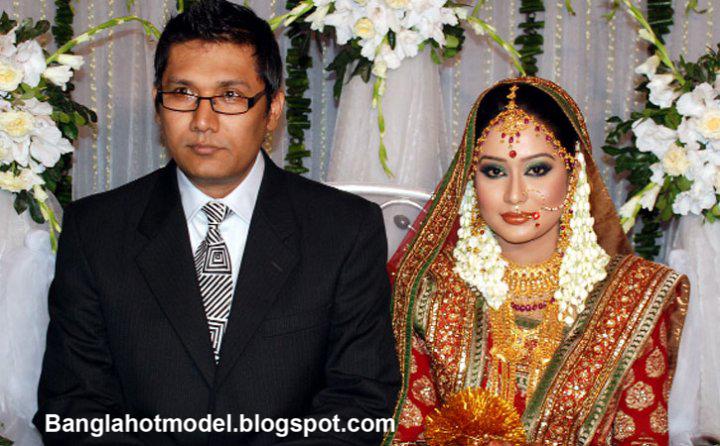 Momo With his Husband