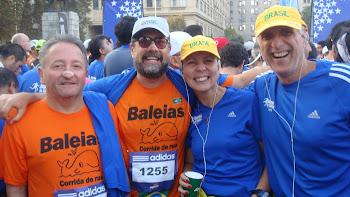 BALEIAS COM FAMOSOS - A MUSA DENISE AMARAL E SEU MARIDO LUIZ ANTÔNIO EM SANTIAGO 2010.