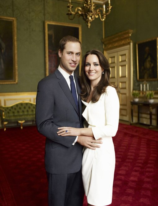 Prince William Amp Kate Middleton S Engagement Photos Released Love Sepphoras