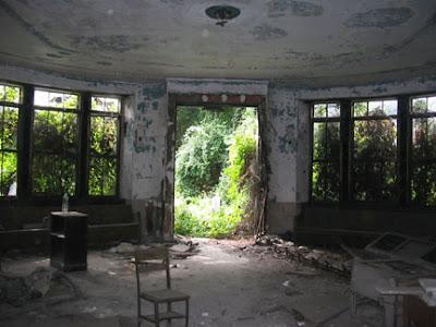 LUGARES ABANDONADOS-LUGARES OLVIDADOS (sitios fantasma en el mundo) 33v2l1d