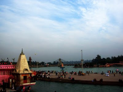 Posted by Vibha Malhotra on PHOTO JOURNEY : Journey to Haridwar - Har ki Paudi: A view of the Ganga Temple with the Faraway Bridge in the Background @ Har ki Paudi, Haridwar
