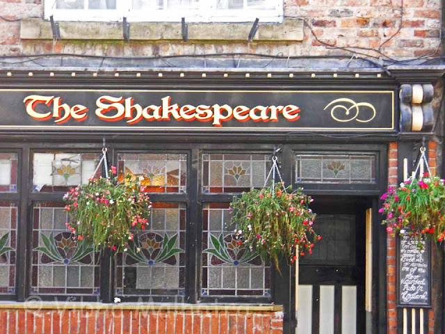 The Shakespeare Tavern - The most haunted pub in England