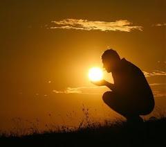 """""""Hi ha persones que transformen el sol en una simple taca groga, però hi ha també els que fan..."""