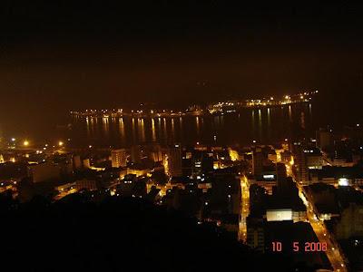 Vista noturna do Centro de Santos - foto de Emilio Pechini