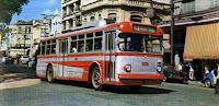 Trólebus FIAT/Alfa-Romeo circulando na rua General Câmara próximo à Praça Mauá - centro de Santos - 1969 Almanaque de Santos