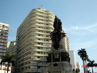 Monumento em Homenagem aos Irmãos Andradas, na Praça da Independência - foto de Emilio Pechini em 15/11/2008