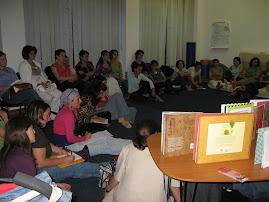 Előadás kismamáknak a Caritas Korai fejlesztő Központban