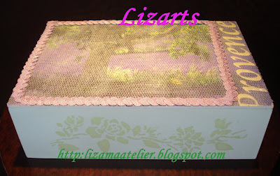 Caixa lilás com textura