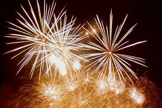 [happy_new_year_fireworks.jpg]