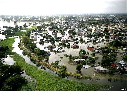 [mexico+floods.jpg]